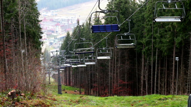 dağlarda sonbaharda telesiyejler durduruldu - zakopane stok videoları ve detay görüntü çekimi