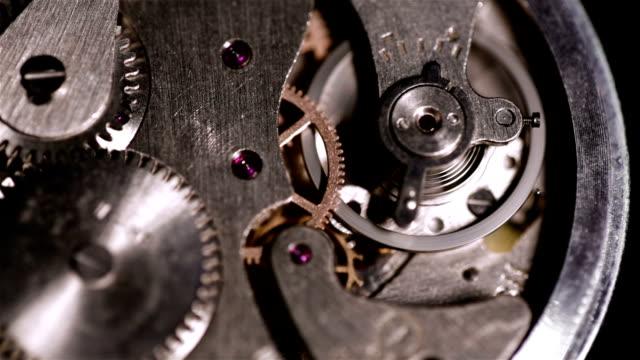 vidéos et rushes de horloge engrenages running 2 - chrono sport