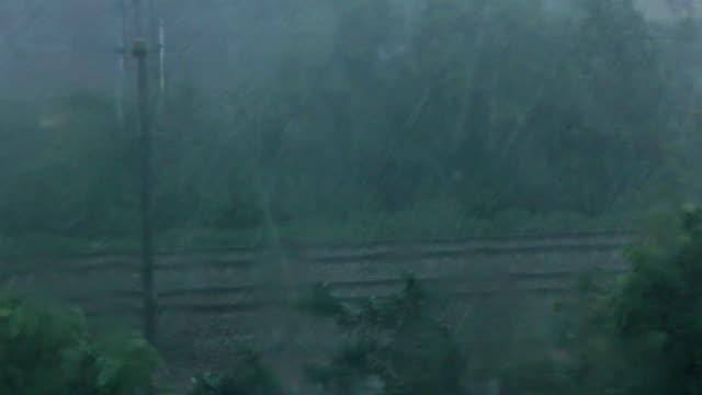 tempesta di pioggia, tempesta di ghiaccio - grandine video stock e b–roll