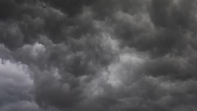 nuvole tempestose per sfondo - timelapse - tornado video stock e b–roll