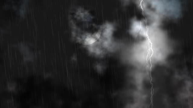 stormy 밤 풀문 및 lightning, 반복. - 불길한 스톡 비디오 및 b-롤 화면