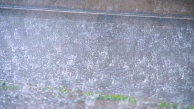 le tempeste - pioggia torrenziale video stock e b–roll