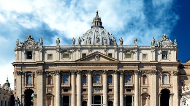 st.peter basilica roma güneşli - papa stok videoları ve detay görüntü çekimi