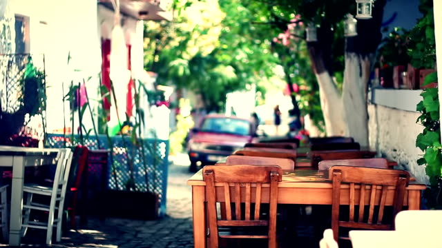 Street Cafe video