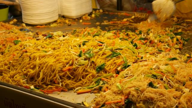 Street food, Chinatown of Bangkok video