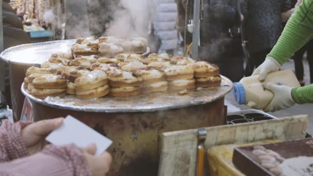 韓国の食品市場における屋台食市場 ビデオ