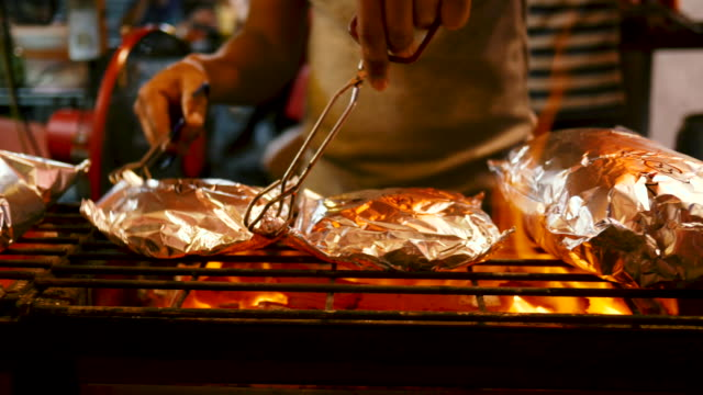 street food on the grill - aluminum foil stock videos & royalty-free footage