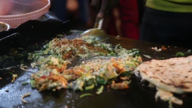 vídeos de stock e filmes b-roll de street food - sri lanka