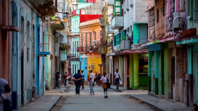 street im centro habana, havanna, kuba. - havanna stock-videos und b-roll-filmmaterial