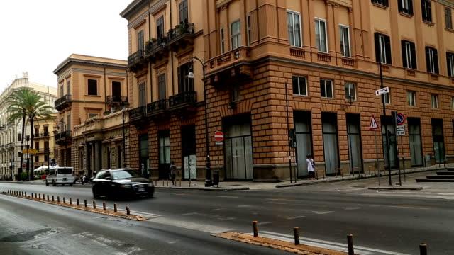 通りの palermo イタリア - street graffiti点の映像素材/bロール