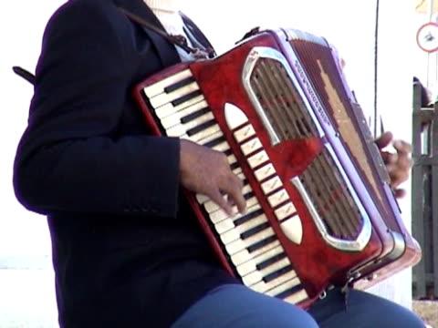 street performer video