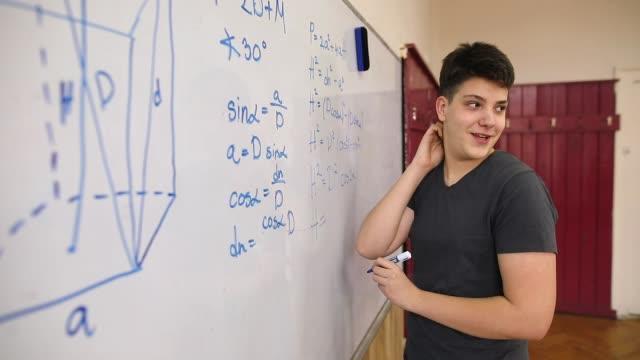 Student löst Mathematik-Problem – Video