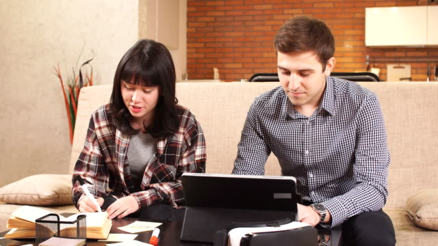 students spend time together preparing for exams - ape operaia video stock e b–roll