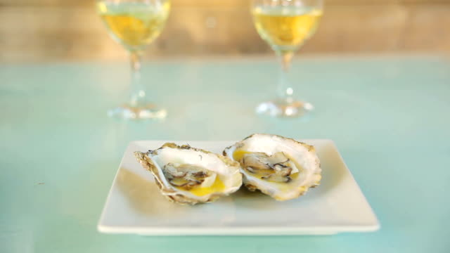 Submission of white wine with oysters video