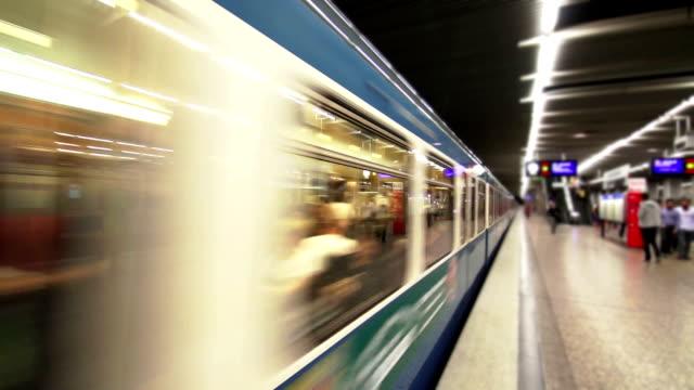 subway train departing from the station - munich train station bildbanksvideor och videomaterial från bakom kulisserna