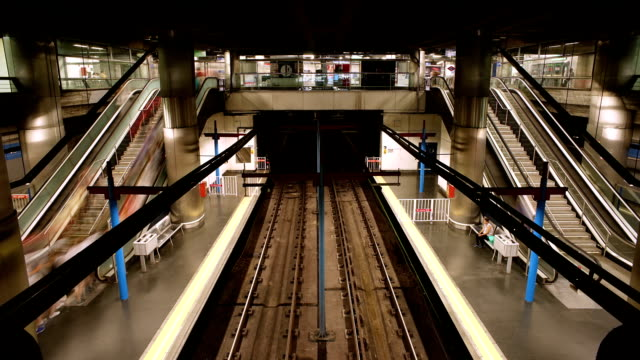 subway trains stop - subway video stock e b–roll