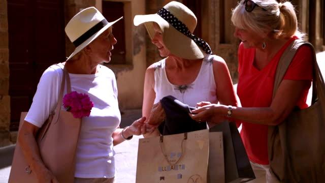 Exitoso viaje de compras - vídeo