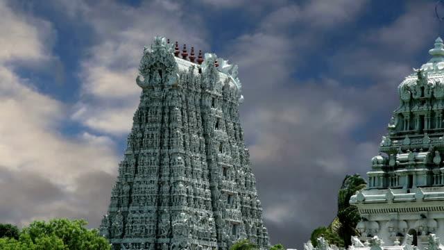 Suchindram temple dedicated to the gods Shiva, Vishnu and Brahma, protected by UNESCO. Kanniyakumari, Tamil Nadu, South India video