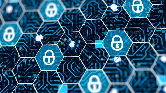 突然のデジタル侵害、コンピュータシステムへの攻撃、ネットワーク内の危険なウイルス - ウイルス対策ソフト点の映像素材/bロール