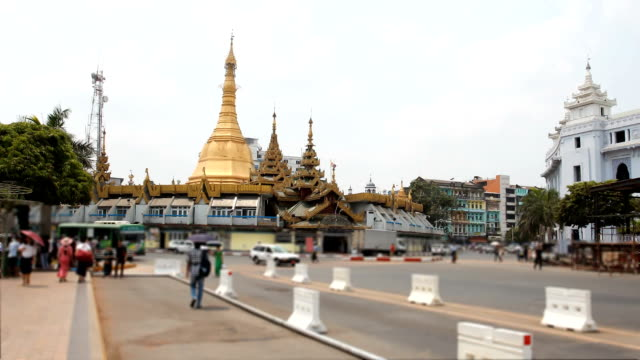 Sule Pagoda Road of traffic:Time lapse video