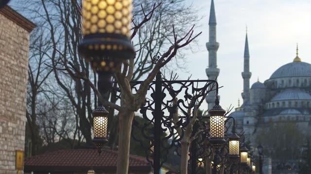 vídeos y material grabado en eventos de stock de mezquita del sultán ahmed - distrito eminonu