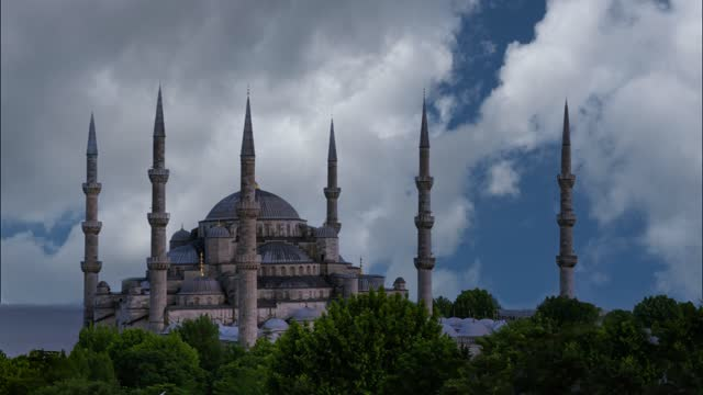Sultan Ahmet Camii named Blue Mosque