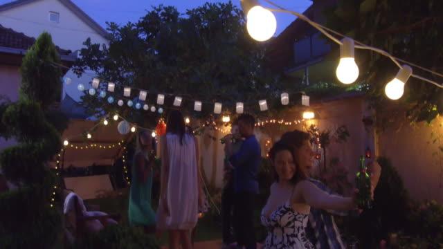Sommer-party im Freien – Video