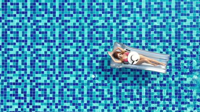 vídeos de stock, filmes e b-roll de conceito de férias de verão - bronzeado
