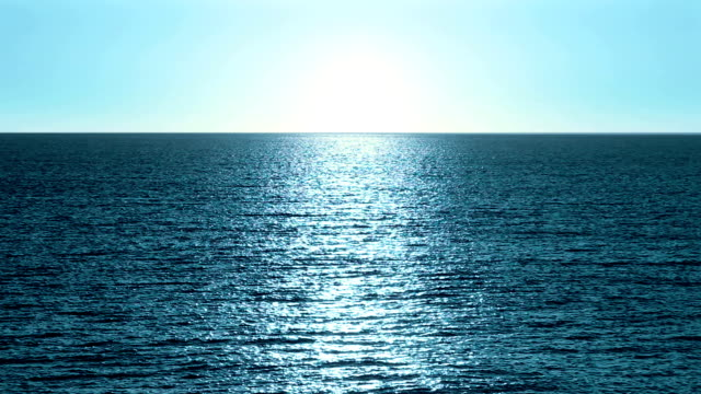 sonnenaufgang am meer, endlos wiederholbar - sound wave stock-videos und b-roll-filmmaterial