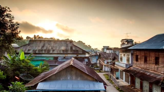 восход солнца в рыбацкой город, мьянма - burma home do стоковые видео и кадры b-roll