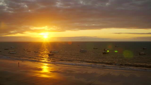 vídeos de stock, filmes e b-roll de sunrise in maragogi beach in alagoas, brazil - nordeste