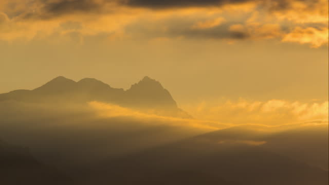 Sunrise on Chabrieres Needles mountain peaks in Ecrins National Park, Alps, France - vídeo