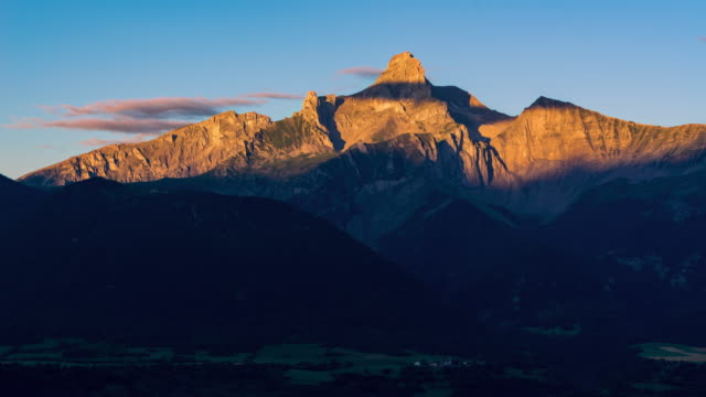 Sunrise on the Obiou peak (Devoluy). Isere, French Alps, France - vídeo