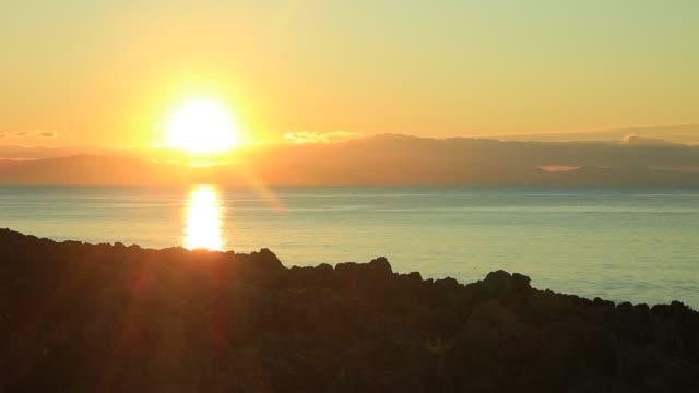 sunrise over sea surface - пелопоннес стоковые видео и кадры b-roll