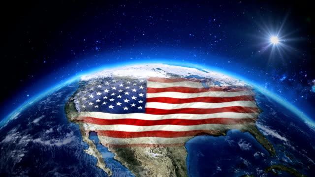 uzaydan dünya üzerinde güneş doğuyor. abd bölgenin gece zaman ve gündoğumu ile kapatın. - amerika kıtası stok videoları ve detay görüntü çekimi