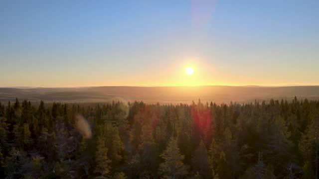 vídeos de stock e filmes b-roll de sunrise - linha do horizonte sobre terra