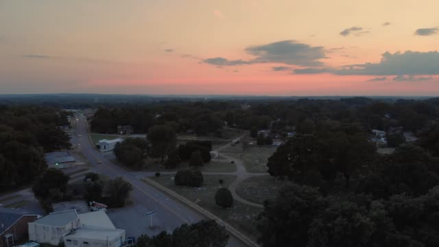 sunset aerial muscle shoals sheffield, alabama - alabama filmów i materiałów b-roll