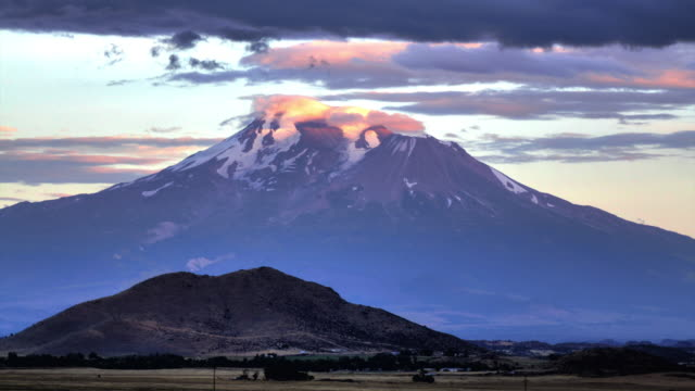 Sunset at Mount Shasta, California video