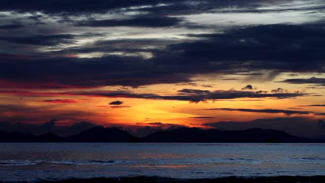 tramonto sul mare  - sky diving video stock e b–roll
