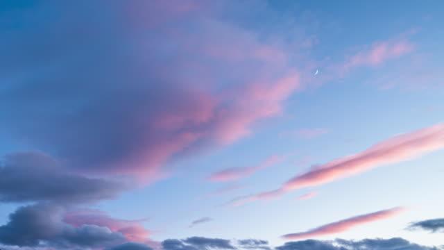 solnedgång cloudscape tid förfaller - pink sunrise bildbanksvideor och videomaterial från bakom kulisserna