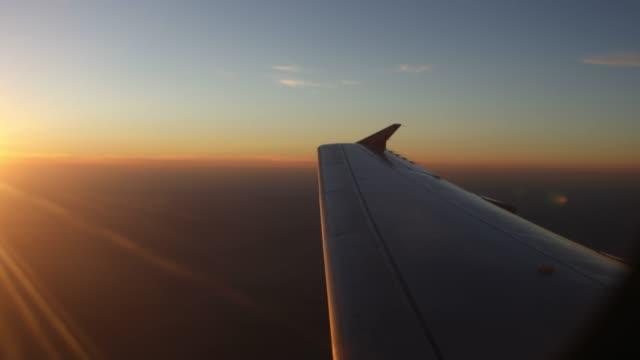 Vol au coucher du soleil - Vidéo