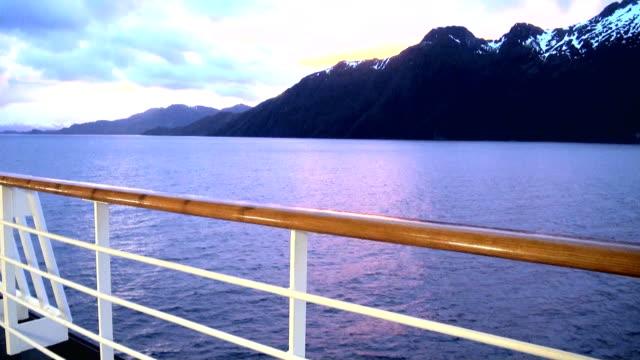 vídeos de stock e filmes b-roll de sunset in chilean fjord - transatlântico