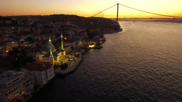 Istanbul Boğaziçi nde Günbatımı video