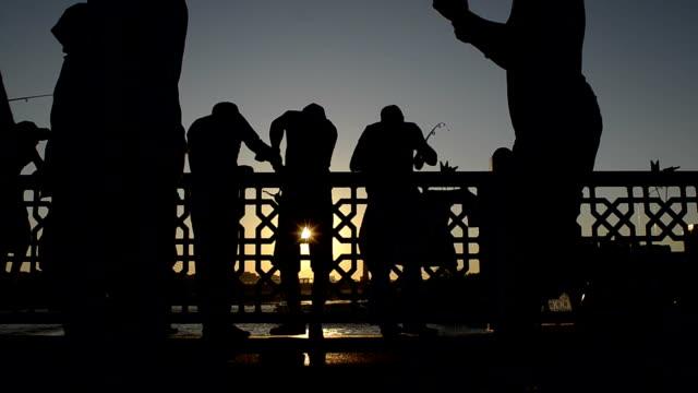 vídeos y material grabado en eventos de stock de sunset in istanbul - distrito eminonu