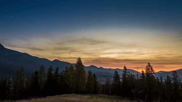 yıldızlarla zakopane'den tatra dağlarında gün batımı, polonya - zakopane stok videoları ve detay görüntü çekimi
