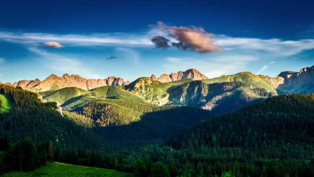 sunset in zakopane view to tatra mountains - польша стоковые видео и кадры b-roll