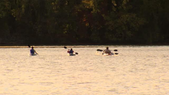 Sunset kayaks_ws1 haute définition (1080/24P - Vidéo