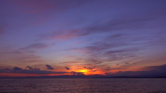 サンセットの海 - 時間の経過 - 夜明け点の映像素材/bロール