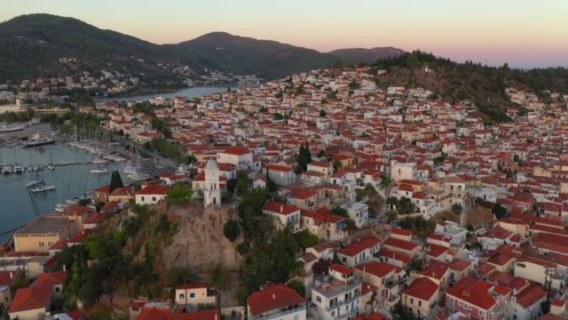 solnedgång på ön poros. grekland - poros greece bildbanksvideor och videomaterial från bakom kulisserna