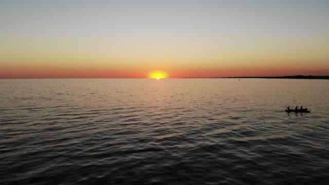 solnedgång över havet - madagaskar bildbanksvideor och videomaterial från bakom kulisserna